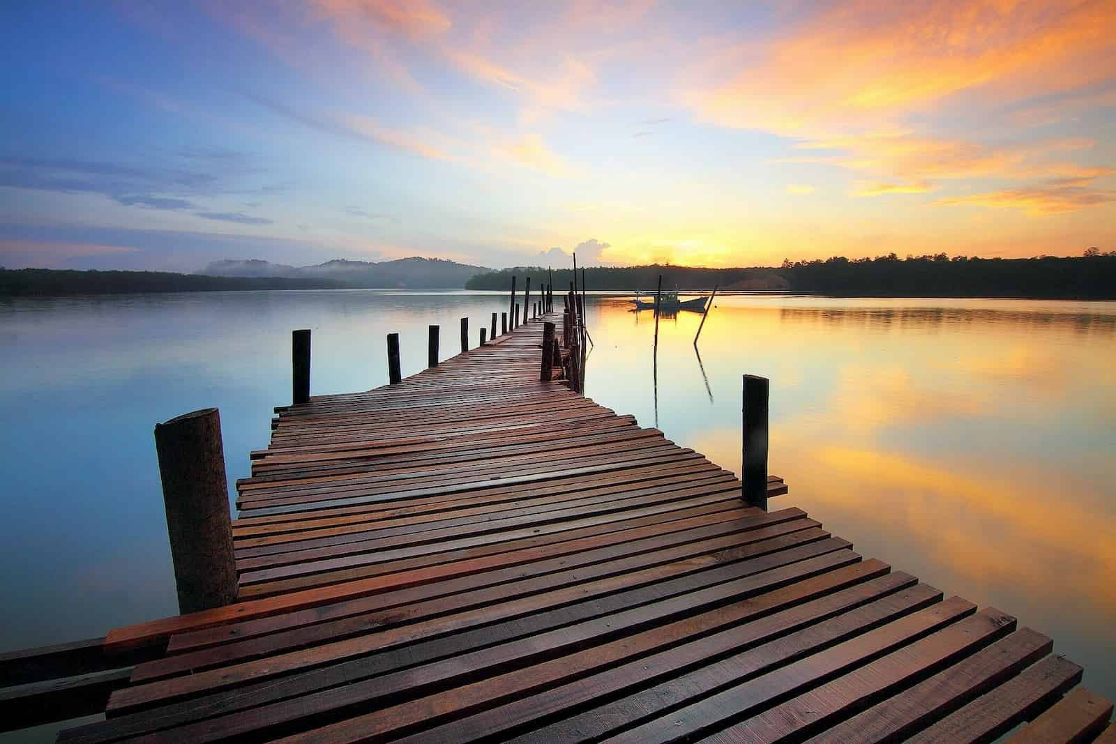 A long crooked dock to onboarding
